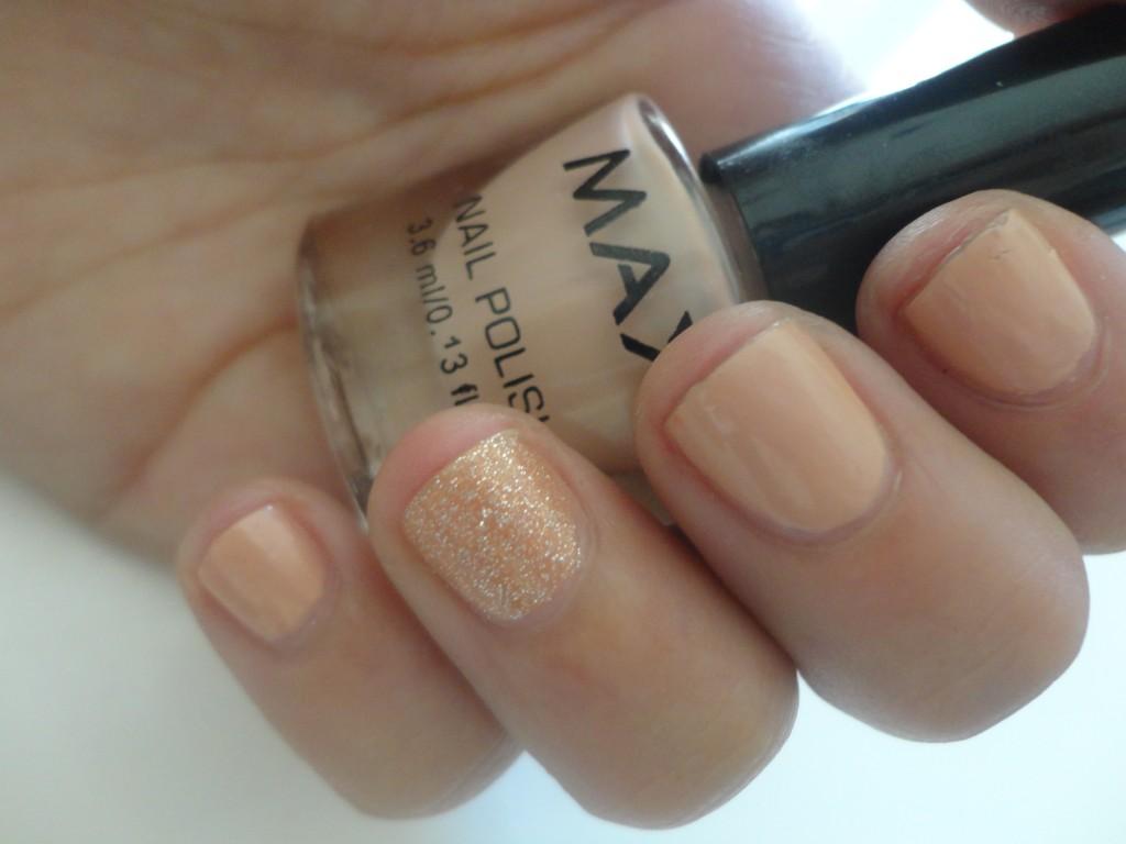 Max mini nail polish set