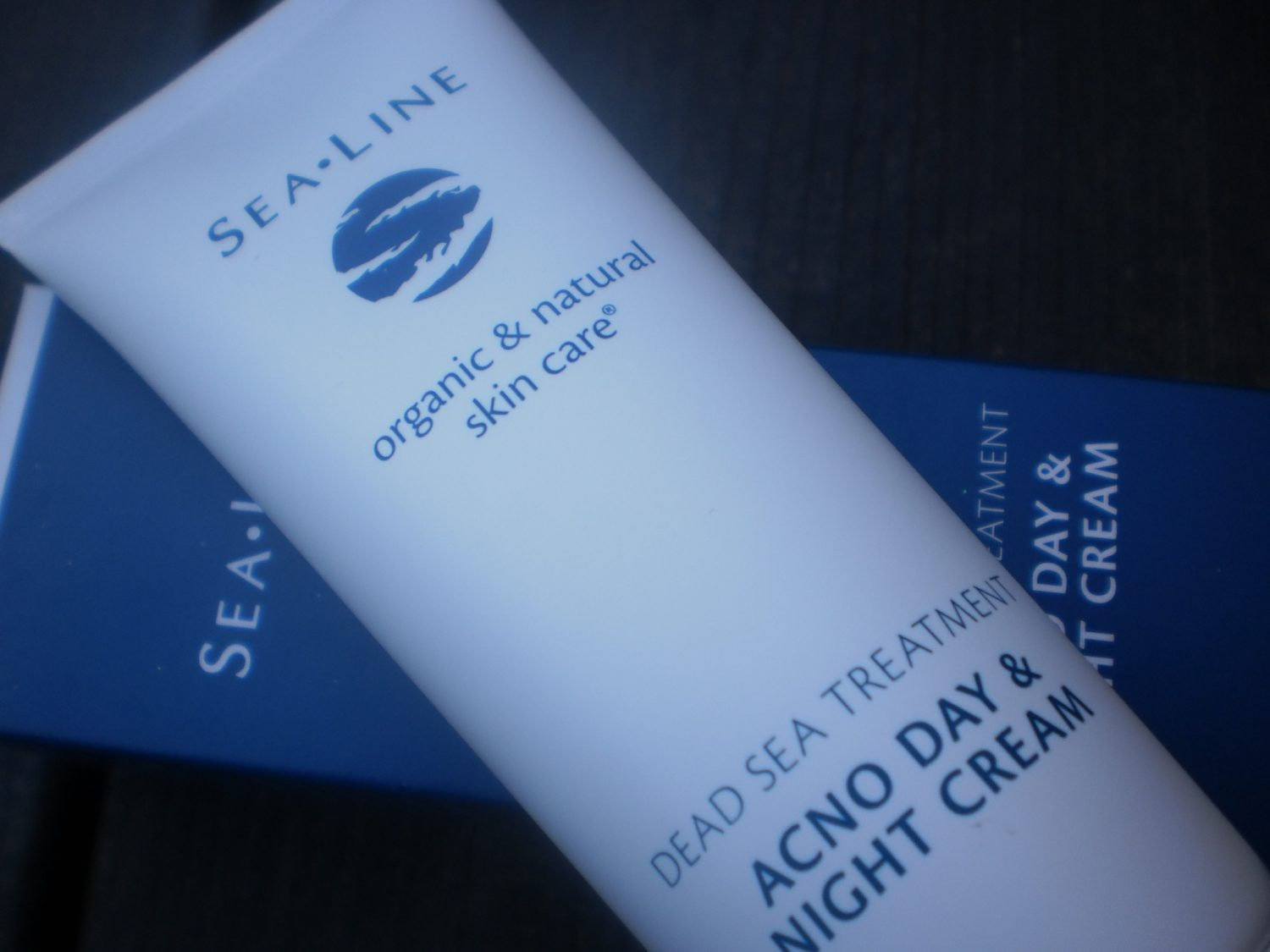 Review: Sea Line Acno Day & Night Cream
