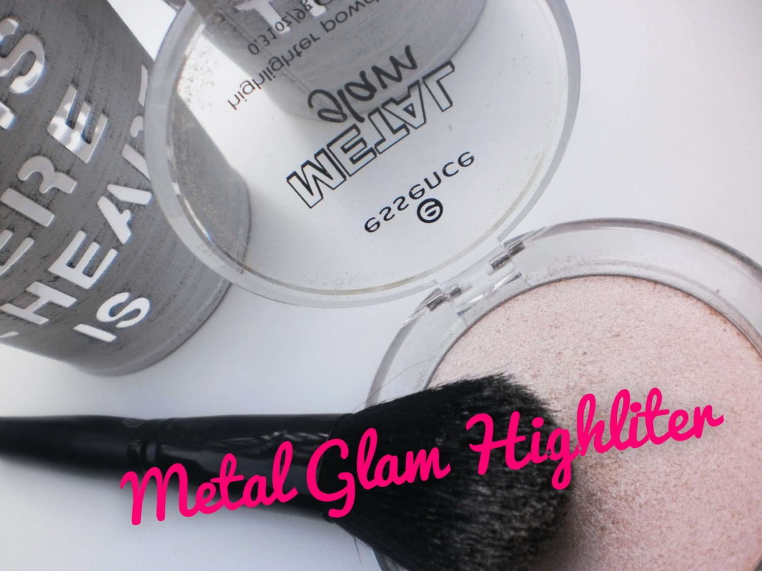 Review: Essence Metal Glam Highliter Powder