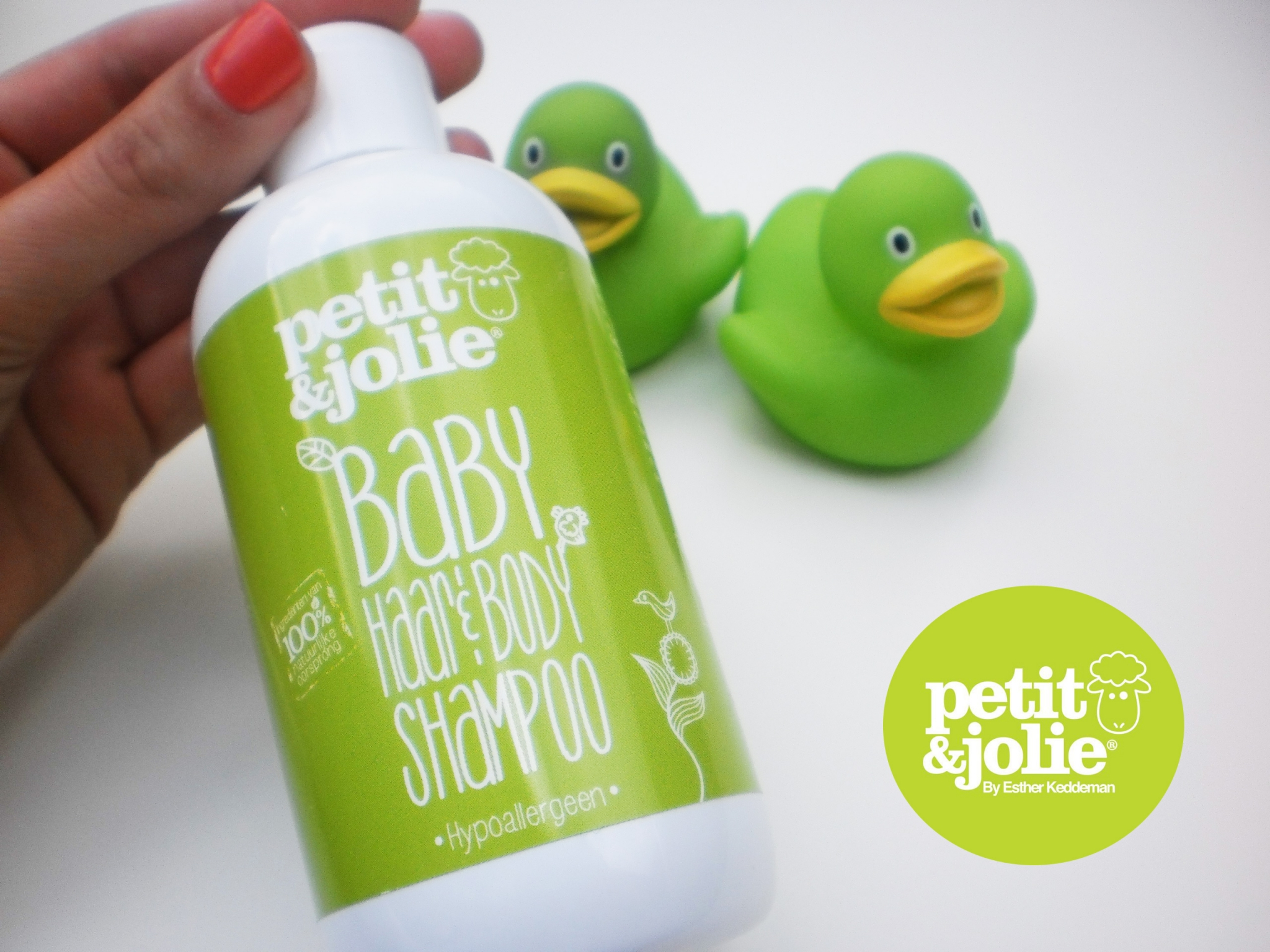 Mamapraat: Review Petit & Jolie Haar en Body Shampoo