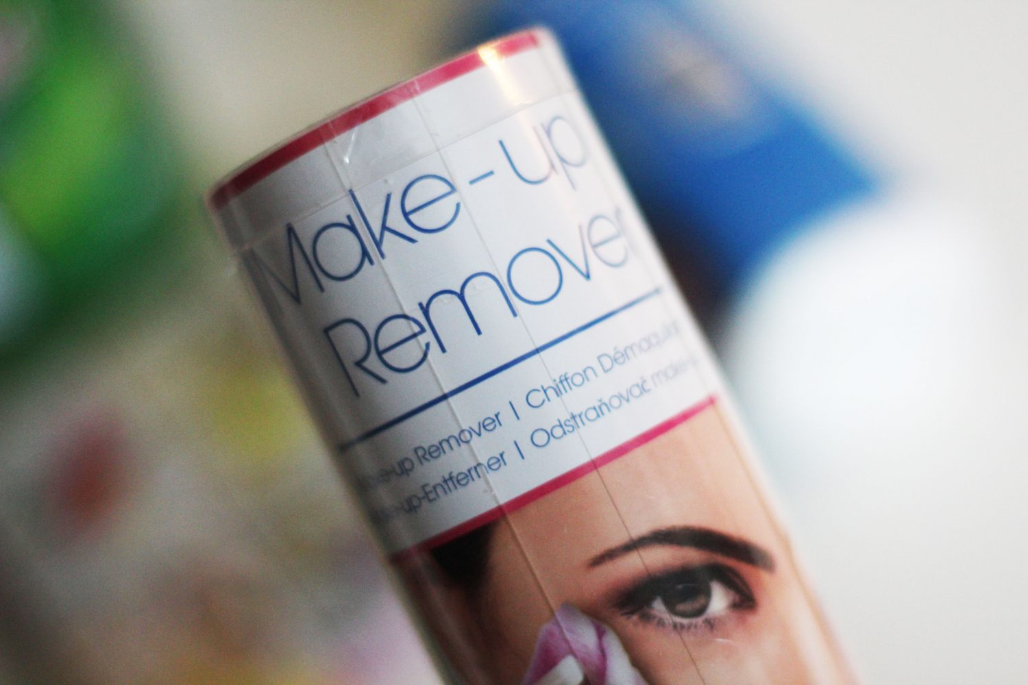 Action make-up remover