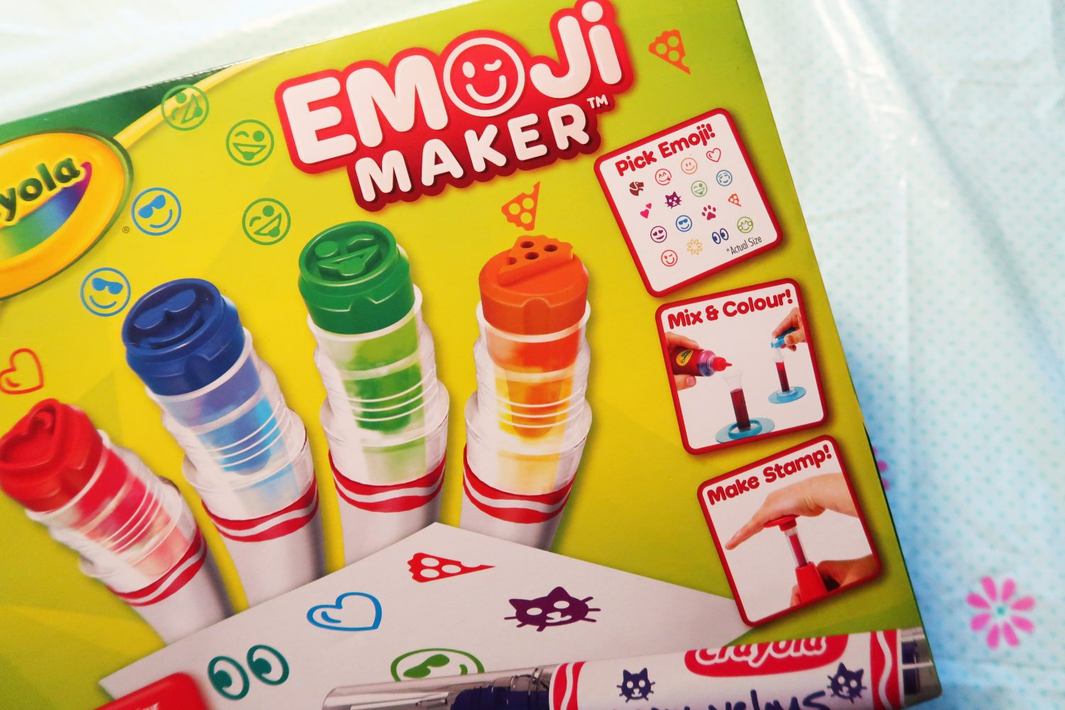 Review: Crayola Emoji Maker