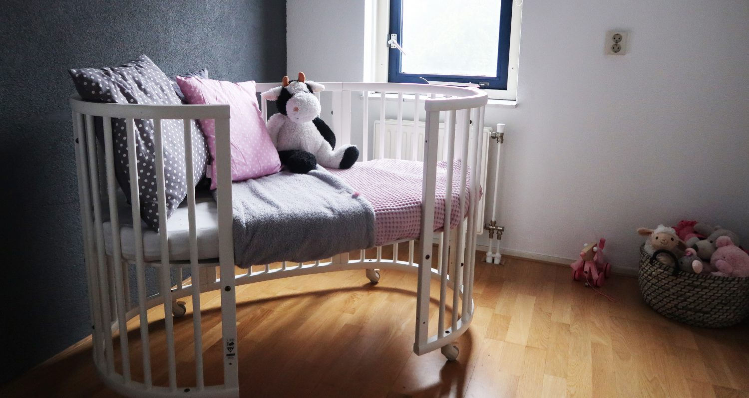 review stokke sleepi bed twinkelbella. Black Bedroom Furniture Sets. Home Design Ideas