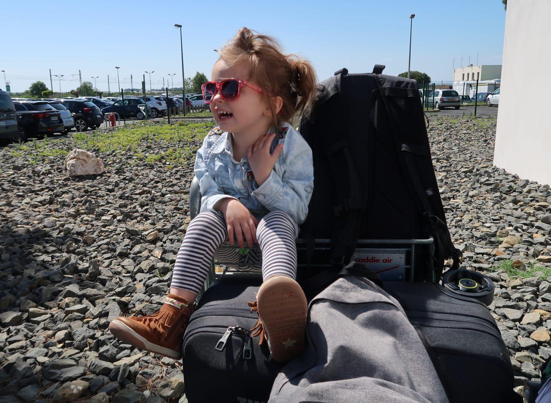 Vliegen met kinderen (tips van een stewardess!)