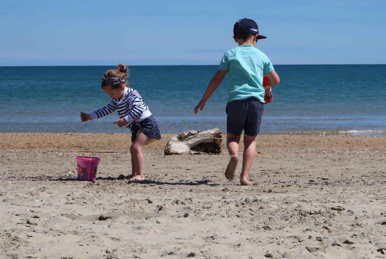 Met jonge kinderen op vakantie: hoe overleven we dit nu weer (+tips!)