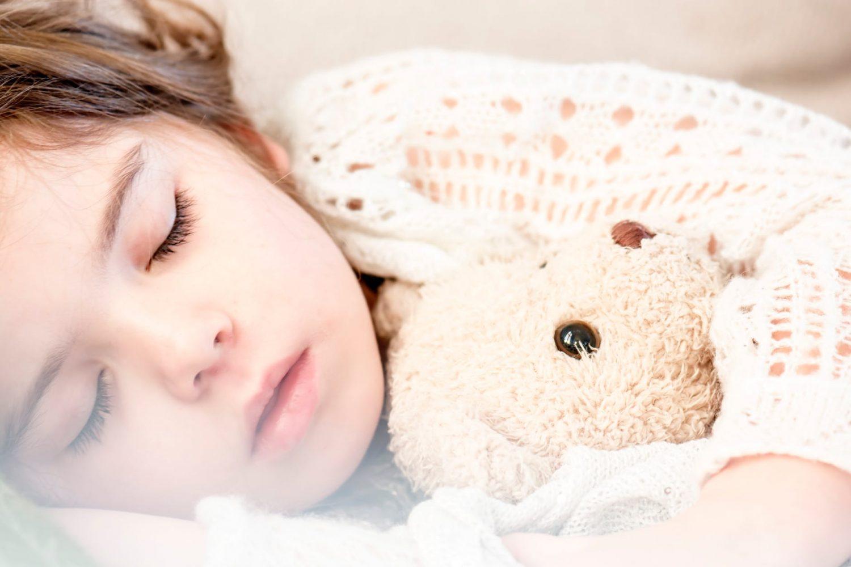 Wanneer houd je een kind ziek thuis?