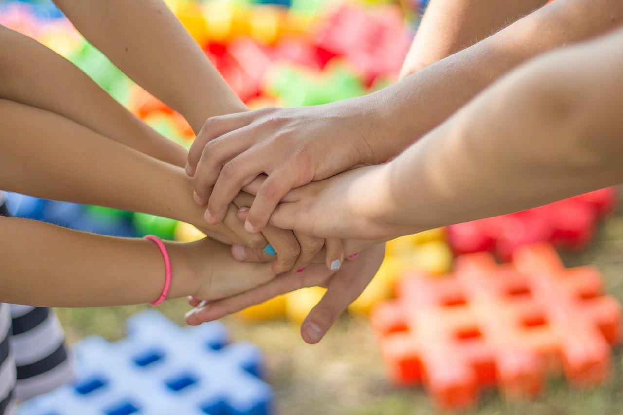Mijn kind heeft geïrriteerde handen door desinfecteren: wat te doen?!